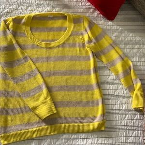 I crew sweater size small
